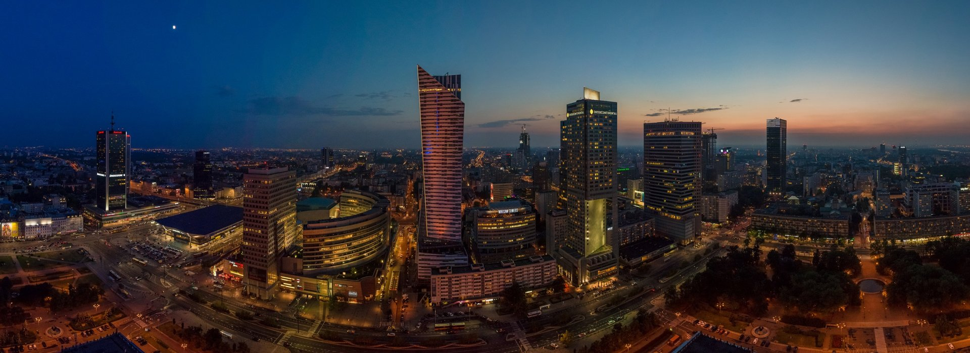 Beautiful view of Warsaw by night