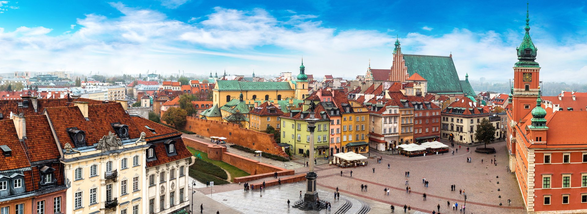 beautiful day on the castle square in warsaw